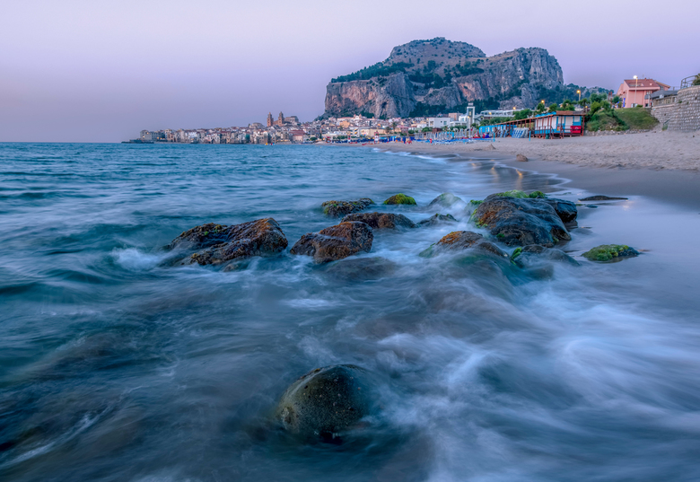 Cefalù on the rocks