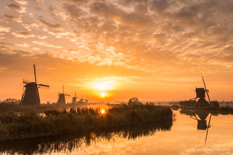 Sunrise Kinderdijk - Een prachtige zonsopkomst vanochtend in Kinderdijk!