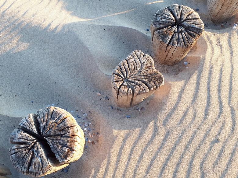 Burgh-Haamstede strand - Deze foto gemaakt met nieuwe smartphone. Werkt wel anders dan spiegelreflex, maar wel leuk. Je telefoon heb je per slot van r