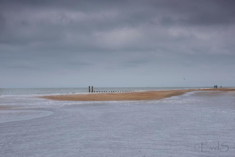 Aan de kust, de Zeeuwse kust - Een heerlijk middagje uitgewaaid op het strand bij Burgh Haamstede.