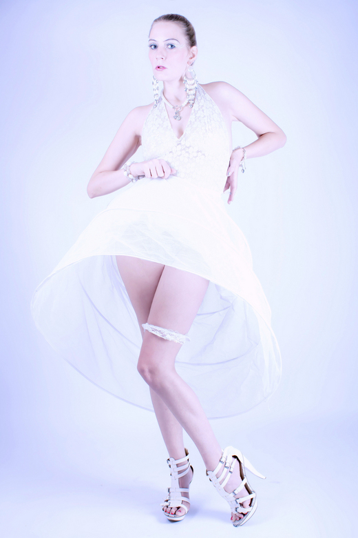 Dress 2 inpress - Fotograaf Yvo Ambags<br /> <br /> Model Luna-Kissy <br /> <br /> Foto mag gebruikt worden in zoom<br /> Toestemming van iederee