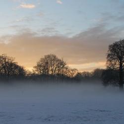 sneeuw en mist op Houdringe