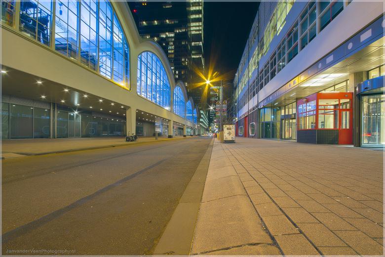 Wilhelminakade Rotterdam - HDR uit 3 opnames samengevoegd met Photoshop en LR  <br /> Canon 7D met sigma 10-20 op 10 mm<br /> Iso 100 F13