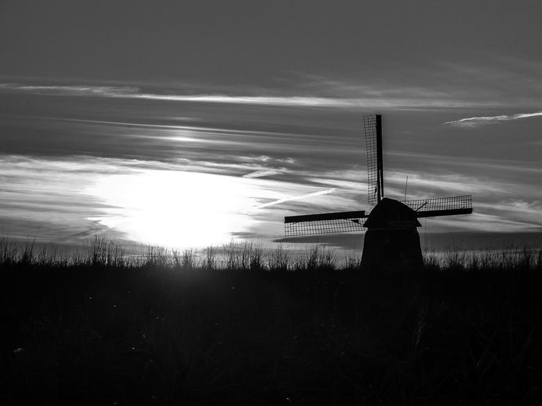 2015-Zonsondergang-Molen-BW - Molen bij Volendam