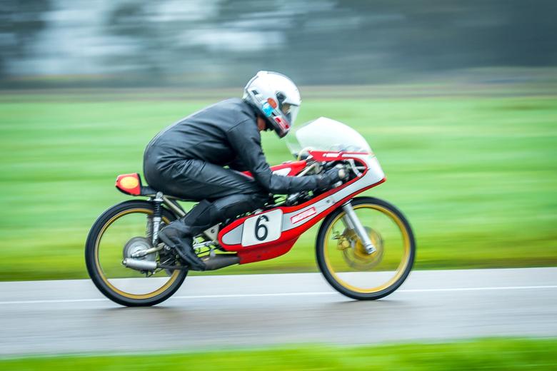 Classic Race Demonstratie Luttenbergring - Startnummer 6, Jaap Groot<br /> Motor: Kreidler Garelli GP50<br /> Bouwjaar 1976<br /> Cilinder inhoud: