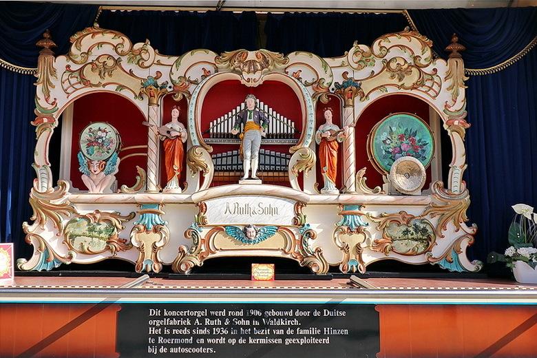concertorgel. - <br /> De firma A. Ruth und Sohn was een Duitse orgelbouwersfamilie, die voornamelijk kermisorgels vervaardigde in de periode 1811-19