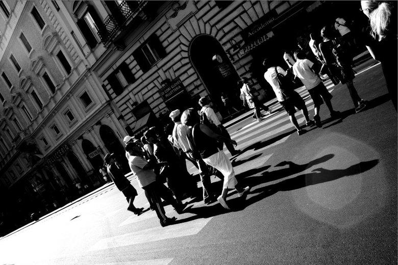 Straatbeeld in rome - Een sfeerfoto van het pure straatleven in Rome.