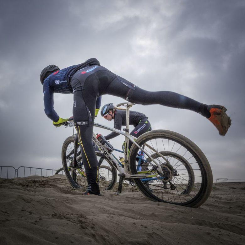 Op stap - Gefotografeerd tijdens de Subaru Beach Battle in Wijk aan Zee.