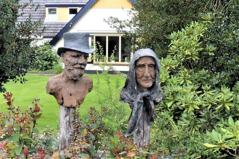 P1130026  Zwolle en omg nr18 Open tuin Hattem 16 sept 2020  - Hallo Zoomers, GROOT kijken en even lezen . Na de Duiventil nabij Wezep fietsen wij op 1