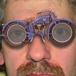 Fred met motorbril