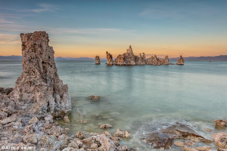 Last light Mono Lake - Last light @Mono Lake, California, USA.<br /> <br /> Iso 100<br /> F11<br /> 13 seconde <br /> 30mm<br /> <br /> Grijs v