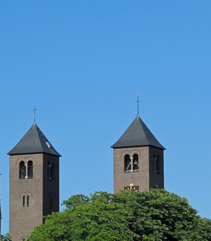 cornelius kerk pov - kerk vanaf mijn balkon