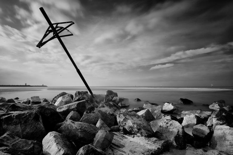 Fallen - Long Exposure gemaakt op Scheveningen