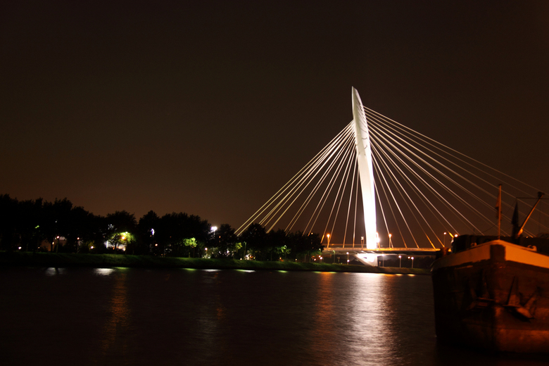 brug Kanaleneiland - brug Kanaleneiland/Amsterdam rijnkanaal vanaf de Rooseveltlaan