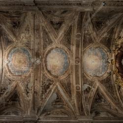 Palazzo de L. dei Conti M. e Chiesetta di S.A. 3