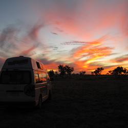 Zonsondergang in de outback