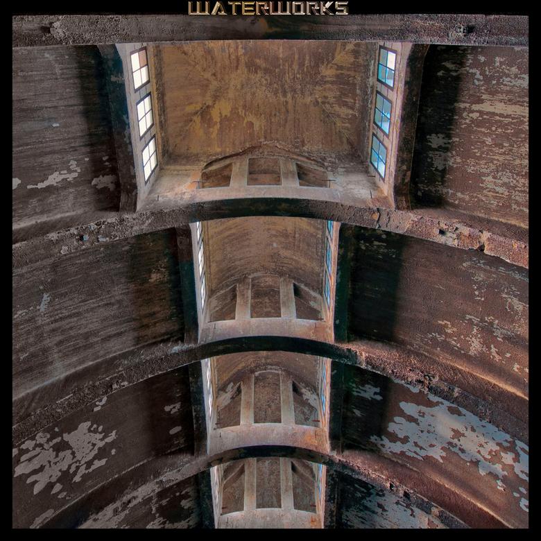 Waterworks - Het dak van een oude waterzuivering.