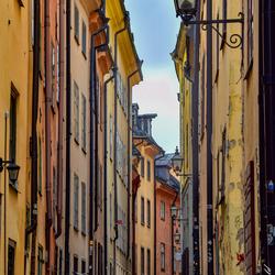 Smalle straten van de Oude binnenstad Stockholm