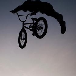 Jumpin' silhouet