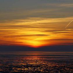 Zonsondergang boven de Waddenzee