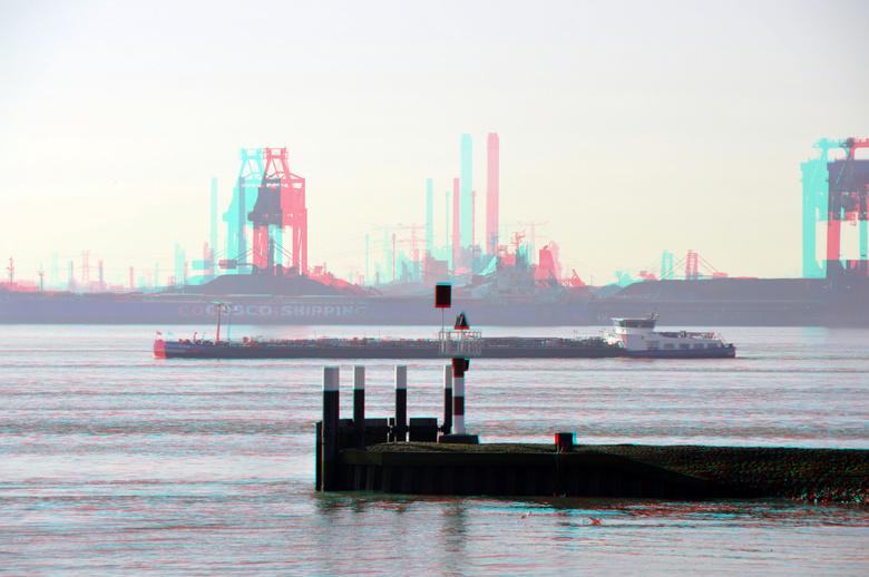 Maasvlakte vanaf Hoek van Holland 3D - maasvlakte vanaf hoek van Holland<br /> 3d stereo anaglyph red/cyan<br /> tele 200mm Nikkor  d7000