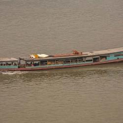 vrachtboot op Mekong