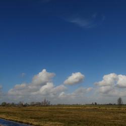 Met een frisse, stevige wind de polder van de Krimpenerwaard in