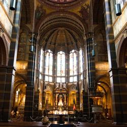 Doorzicht in de Basiliek van de H. Nicolaas
