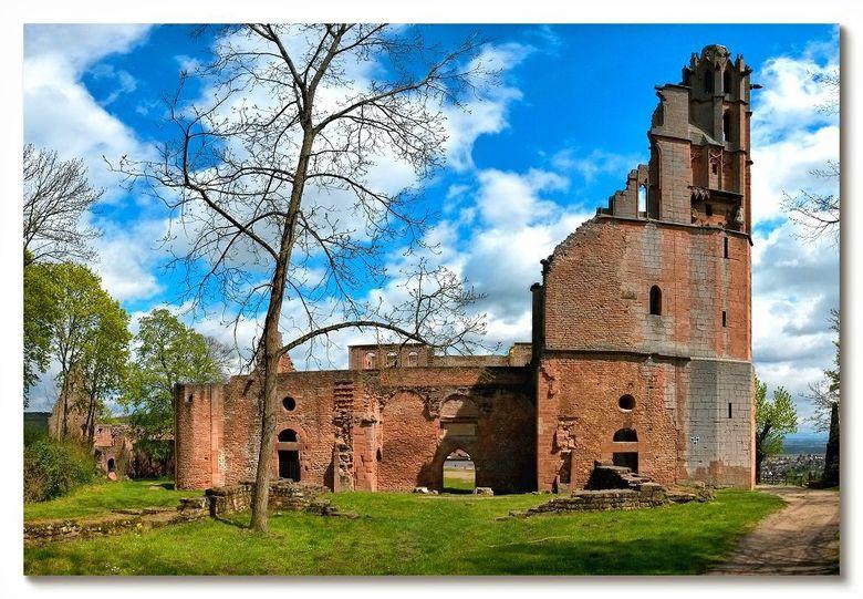 Klosterruïne Limburg - Ik blijf nog even in de ruïne-sfeer in de Pfalz, Duitsland. Deze foto is van de kloosterruïne Limburg boven Bad Dürkheim aan de