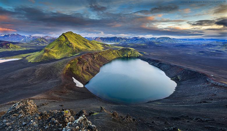 On top of a vulcano II (IJsland)