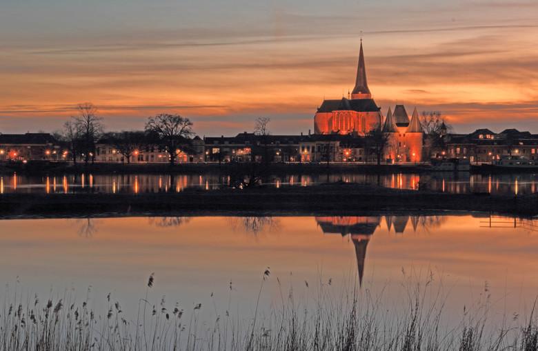 Zonsondergang - In het groot mooier!<br /> <br /> Kampen  is een stad in de Nederlandse provincie Overijssel en de hoofdplaats van de gelijknamige g