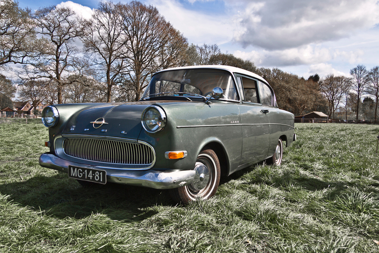 "Opel 1200 1963 (1841) - 1963 Opel 1200 Typ 1202 2-türige Limousine<br /> <br /> <a href=""https://www.flickr.com/photos/photiste/48828526378/in/album"