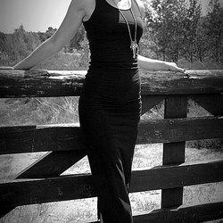 Model naturel black&white!
