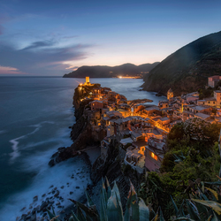 Vernazza lights