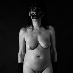 gemaskerd naakt