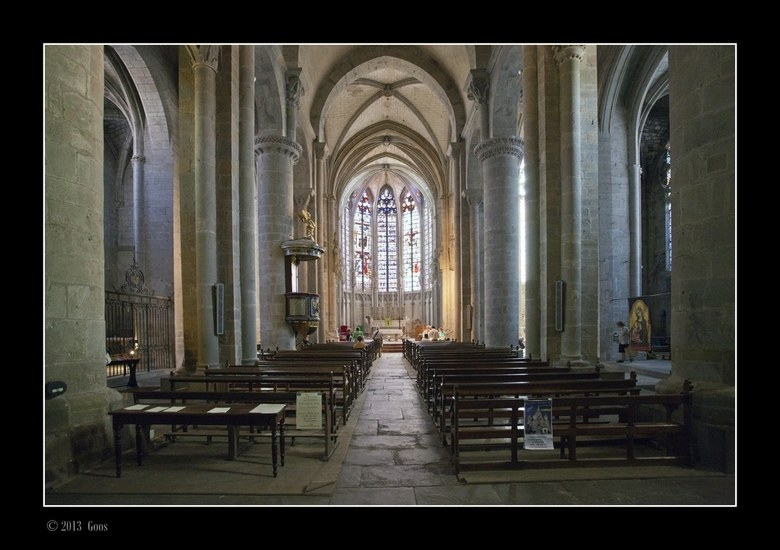 "Aude 10 - Kerk in het oude deel van Carcassonne.<br /> <br /> Voor meer info: <a href=""http://nl.wikipedia.org/wiki/Carcassonne_(stad)#Kerken""> klik"