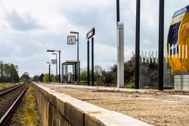 Ex-Station Geerdijk - Het nu al trieste aanblik van Station Geerdijk.