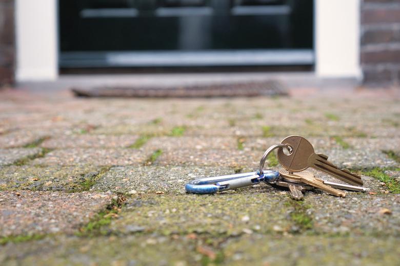Verloren - Verloren sleutels bij een voordeur