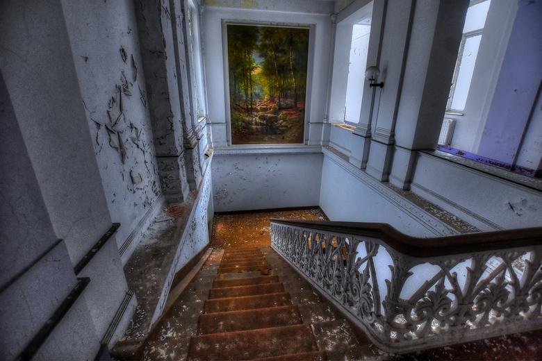 abandoned spa stairs  -