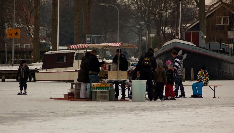 Koek-en-Zopie op het Spaarne  - Winter in Haarlem met koek-en-zopie om weer warm te worden