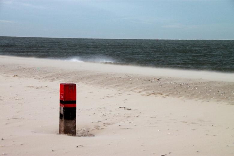 zandverstuiving - Windkracht 8 op Texel