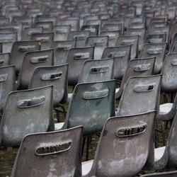 Beregende stoelen op het St. Pietersplein