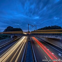 Flitsende verkeersstromen.