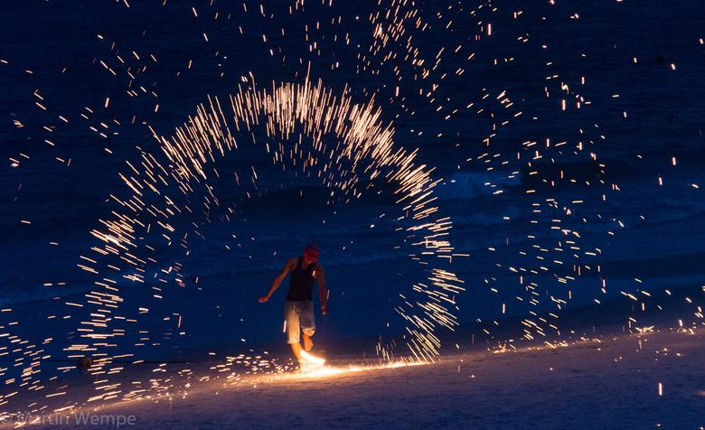 Firemanshow - een Fire man show op het strand van Koh Samet