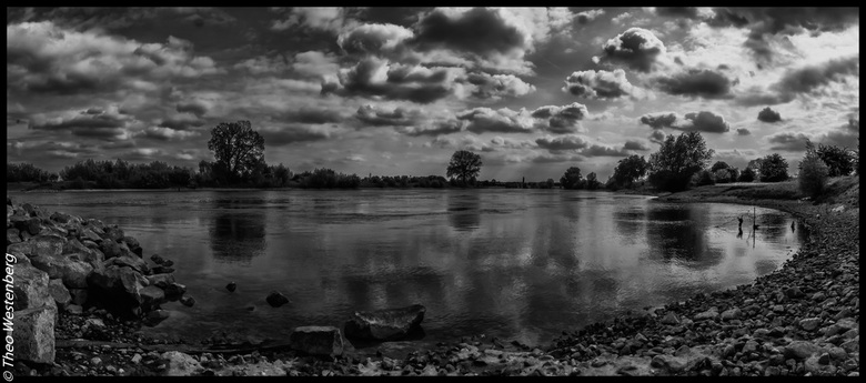 down by the riverside - panorama bij de Ijssel (vlak voorbij Gorsel)