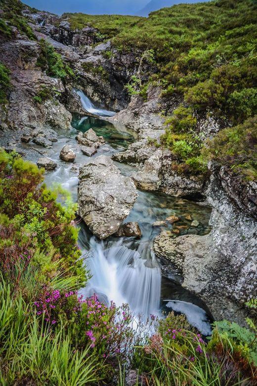 Fairy Pools - De Fairy Pools op Skye zijn voor een fotograaf een must. Ik maakte deze foto in de stromende regen. Toch is het een fantastich plaatje g