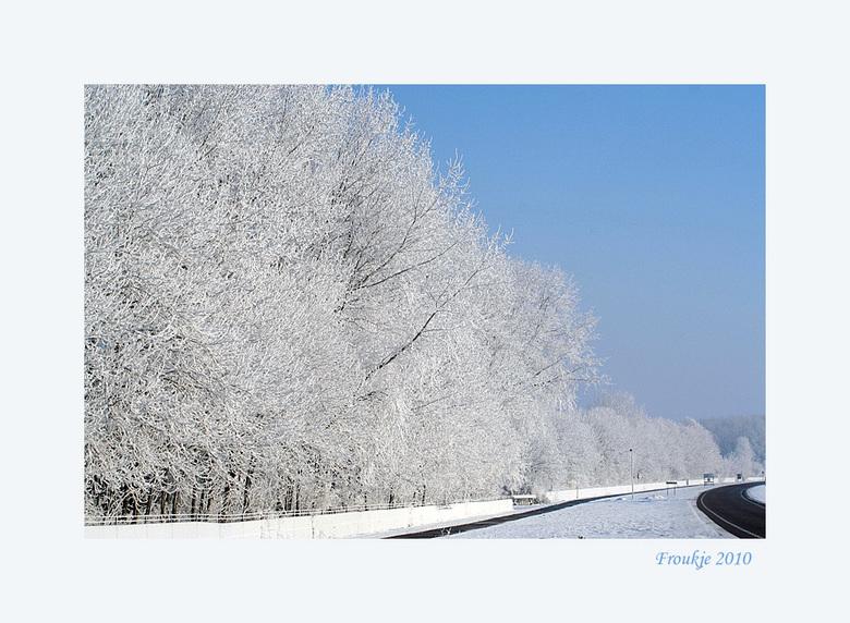 Friesland  - Dit plaatje deed me denken aan wintersport foto&#039;s ,nu hebben we dit  gewoon in Friesland .<br /> Bedankt voor de reacties op mijn v