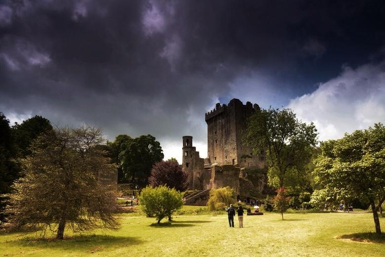 Blarney Castle - Mijn eerste foto met een grijsverloopfilter, gemaakt.<br /> Blarney Castle, mooie omgeving.