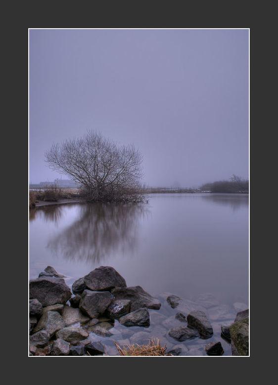 Morning Fog - Morning Fog<br /> <br /> 3 foto&#039;s op -1,0,+1<br /> ISO 100 Diafragma 22<br /> <br /> Daarna nog iets na bewerkt.<br /> <br />