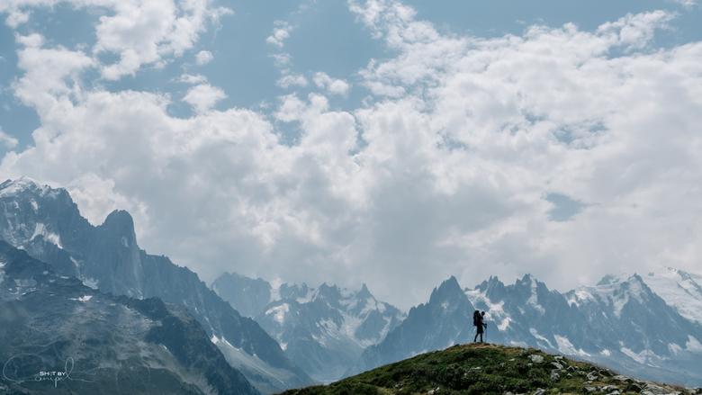 Expand your horizon. - My buddy on the horizon in the Alps.<br /> <br /> Voor meer, neem gerust een kijkje op:<br /> https://www.facebook.com/ShotB